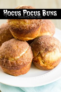 My Hocus Pocus Buns(or Empty Coffin Rolls) are a new tradition in my home and have quickly become a family favorite. These delicious rolls are perfect for a magical Halloween treat. Plus I have a secret tip to help keep the rolls together while baking. Easter Dinner, Easter Brunch, Easter Recipes, Holiday Recipes, Holiday Ideas, Holiday Foods, Spring Recipes, Resurrection Rolls, Resurrection Cookies Recipe