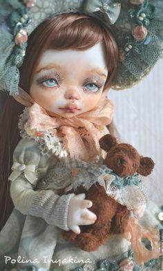 Купить Маленькая Мона - мятный, девочка с мишкой, кукла ручной работы, кукла в подарок