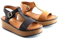 Plat form Sandals. Blvd,22. Clogs. Footwear. Shoes. Sandals www.shopblvd22.com