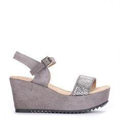 Sandalia planaforma Pedro Miralles en serraje gris #madeinspain  #pedromiralles #flat #shoes #shoeporn #style #trends #ss16 #shoes #calzado
