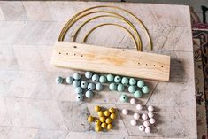 DIY Rainbow Abacus - at home with Ashley Disney Diy Crafts, Diy Home Crafts, Easy Diy Crafts, Crafts To Do, Diy Crafts For Kids, Baby Diy Projects, Kids Diy, Decor Crafts, Simple Wall Art
