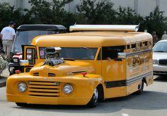 School Bus Hot Rod-Gigantic Engine, Spoiler, Chopped, and Slammed . Rat Rods, Cool Trucks, Big Trucks, Cool Cars, Hot Rod Trucks, Pickup Trucks, Peterbilt, Classic Trucks, Classic Cars