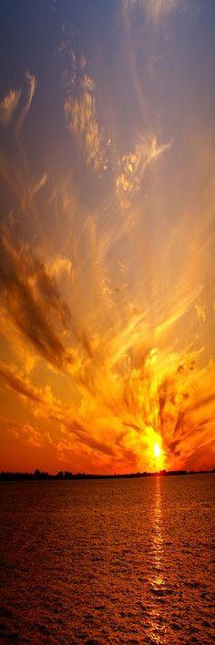 ☾ Ꭶմɳʂҽ৳ʂ & ᎦմɳɽᎥʂҽʂ ☼ ~ Spectacular Sunset Photograph