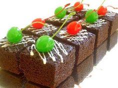 Resep Brownies Praktis Tanpa Mixer Dan Oven (Practical Brownies Without Mixer And Oven) Brownie Packaging, Brownies Kukus, Indonesian Desserts, Steamed Cake, Cupcake Frosting, Secret Recipe, Cooking With Kids, No Bake Desserts, Cake Cookies