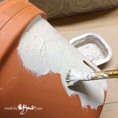 Faux Concrete Paint Finish - made by Barb - simple technique that looks real Cement Art, Clay Pot Crafts, Painting Concrete, Concrete Crafts, Concrete Projects, Diy Painting, Crafts To Make, Faux Painting, Painting Furniture