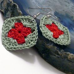 Crocheted Earring granny square in green and red - Holidays | Crochetedlittlethings - Jewelry on ArtFire