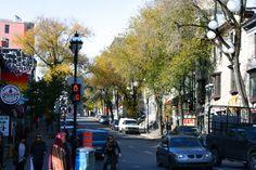 En attendant au feu de la Rue Saint Denis. Plus sur le blog !