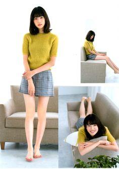 Japanese Fashion, Japanese Girl, Leg Thigh, Barefoot Girls, Onesie Pajamas, Beautiful Legs, Cute Fashion, Sexy Legs, Asian Woman