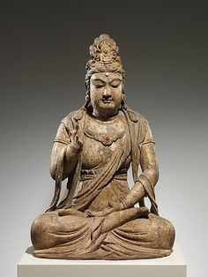 Bodhisattva Avalokiteshvara (Guanyin), possibly Northern Song dynasty (960–1127), late 10th–early 11th century; Wood (foxglove) with pigmentsand gilding; single-woodblock construction; Fletcher Fund, 1933 (33.116) Gallery 208