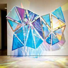 Dichroic Hexagonal Perturbation, by Christian Eckart Interaktives Design, Instalation Art, Interactive Art, Sculpture Art, Metal Sculptures, Abstract Sculpture, Bronze Sculpture, Art Plastique, Light Art