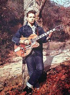 Net Photo: Eddie Cochran: Image ID: . Pic of Eddie Cochran - Latest Eddie Cochran Image. Rockabilly Rebel, Rockabilly Fashion, Rockabilly Style, Rockabilly Artists, Elvis Presley, Genre Musical, Duane Eddy, 50s Rock And Roll, 50s Music