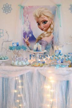 Frozen party caketable Elsa