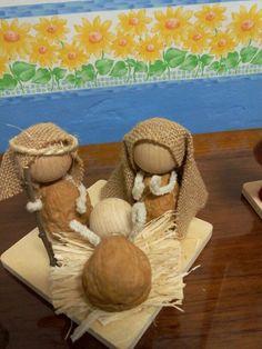 Nativity Ornaments, Christmas Nativity Scene, Nativity Crafts, Christmas Art, Christmas Holidays, Christmas Ornaments, Nativity Sets, Cork Crafts, Holiday Crafts