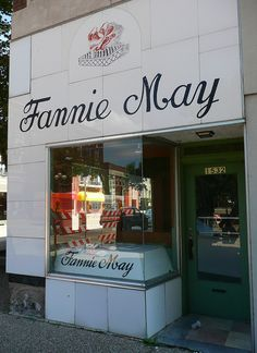 How well I remember this!  Wonderful treat to buy candy here!  Moline, IL Fannie…