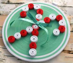 Candy Cane Ornament, Quilled Paper, Red, White and Green Round Coil, Quilled Candy Cane Paper Quilling Patterns, Quilling Paper Craft, Quilling Cards, Quilling Designs, Paper Crafts, Diy Crafts, Paper Art, Quilling Christmas, Christmas Crafts