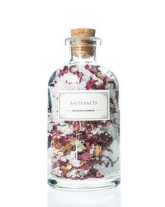 Besides being ridiculously beautiful, these blooming bath salts are rich in rose oil, a heavenly scent with skin-hydrating properties. Sprinkle a handful of salts in a warm bath, and tune out the worl(Cheap Beauty Products) Beauty Care, Beauty Hacks, Diy Beauty, Beauty Skin, Beauty Ideas, Homemade Beauty, Beauty Secrets, Beauty Guide, Face Beauty