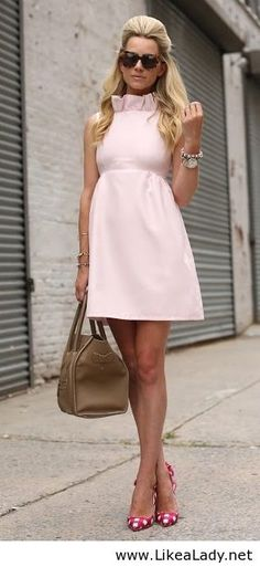 I like this dress? Very girly. I would totally copy this look for maternity wear when I am older