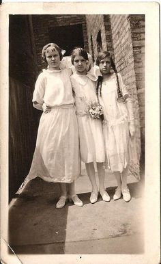 Antique Photo - Communion Girls in a Chicago Gangway - Vintage Photography - Sepia Photograph - Edwardian Fashion - Religios Clothing by FlyTimesVintage from Fly Times Vintage of Chicago, IL 1920s Photos, Vintage Photos, Edwardian Fashion, Vintage Fashion, Young Girl Fashion, Geometric Art, Vintage Photography, Communion, Vintage Outfits