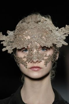 Face jewellery - head piece - Alexander McQueen