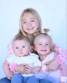 Savannah Rose, Cole And Savannah, Savannah Chat, Girls Fall Outfits, Family Photo Outfits, Matching Family Outfits, Reborn Toddler, Reborn Babies, Cute Kids