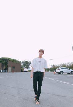 I love how Kim Seokjin walks like he is going to us.