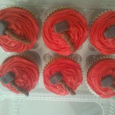 Matching Thor Cupcakes! Cupcakes a juego con el pastel de Thor! #cakebox #cakeboxgdl #gdl #guadalajara #fondant #pasteleria #thor