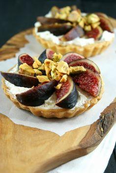 Authentic Suburban Gourmet: Fig Tarts with Honey Pistachio Brittle