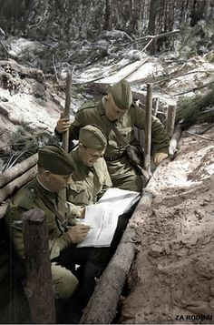 Soviet soldiers in the trenches ww2