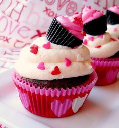 20 Romantic Valentine's Day Cupcakes You'll Want to Make | Inspiration for Adorable Valentine's Day Cupcakes for your Sweet Heart #valentinesday #cupcakes #dessert #delicious #adorable #creative #love