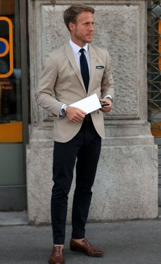 Today's fashion trends for men - dark trousers, light jacket // Visit lizwaitkus.jhilburn.com