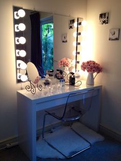IKEA Malm dressing table - makeup vanity- I need this! vanity table is a must have Vanity Room, Diy Vanity, Vanity Ideas, Vanity Mirrors, Vanity Set, Ikea Vanity, Framed Mirrors, Mirror Vanity, My New Room