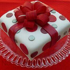 Torta pacco regalo
