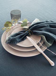 HIMLA Sunshine napkin in washed pure linen and Oslo napkin ring.