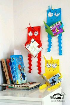 DIY Children's : DIY Our favourite reading figures Paper Crafts For Kids, Projects For Kids, Diy And Crafts, Book Corners, School Decorations, Library Displays, Art Education, Classroom Decor, Preschool Activities