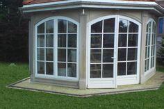 Altana w stylu angielskim do ogrody, murowana - okna drewniane z http://www.liradom.com.pl/okna-drewniane.html