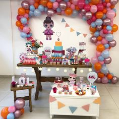LOL Surprise dolls are a great sensation among girls. Festa Baby Alive, Birthday Decorations, Birthday Party Themes, Candy Stand, Balloons And More, Balloon Arrangements, Paw Patrol Cake, Bee Party, Doll Party