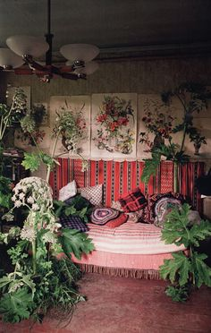 Love this boho lush room! photographer Tim Walker and set designer Andy Hillman for Casa Vogue. via: Textile and Terrain