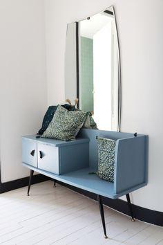 The neo art deco house of Mylène Kiener, co-director of Frangin Frangine // . Art Deco Furniture, Retro Furniture, Refurbished Furniture, Farmhouse Furniture, Furniture Makeover, Furniture Decor, Furniture Design, Furniture Stores, Bedroom Furniture