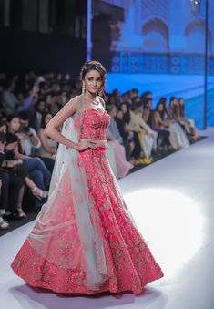 Kalki Bridal 2018 Lehenga retails between INR to INR Lakhs. Check out the full collection with prices here. Indian Bridal Outfits, Indian Designer Outfits, Designer Dresses, Designer Bridal Lehenga, Bridal Lehenga Choli, Indian Gowns Dresses, Bridal Dresses, Lehnga Dress, Lehenga Gown