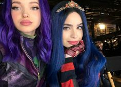 Image about dove cameron in descendants Shared by Anaîs Henrondale. Find images and videos about sofía carson, dove cameron and descendants on We Heart It - the app to get lost in what you love. The Descendants, Dove Cameron Descendants, Disney Channel Descendants, Descendants Characters, Cameron Boyce, Anne Mcclain, Jenna Dewan, Pretty Little Liars, Sophia Carson