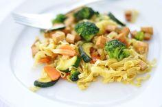 Wok Nudel-Tofu-Gemüse Pfanne