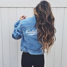 Brandy Melville California denim jacket NWT Brandy Melville Jackets & Coats (Hair is perfect! Brandy Melville, Style Tumblr, Teen Fashion, Fashion Beauty, Fashion Hair, Ootd Fashion, Fashion 2017, Estilo Rock, Foto Casual