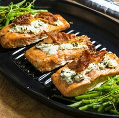 Salmon with goat cheese - Vuohenjuustolla kuorrutettu uunilohi, resepti – Ruoka.fi