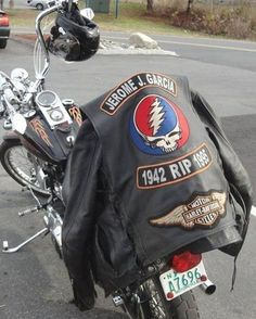 RIP and a gratefully nice jacket Grateful Dead Image, Mickey Hart, Miss Your Face, Dead Pictures, Dead And Company, Forever Grateful, Lady And Gentlemen, Music Love, Peace