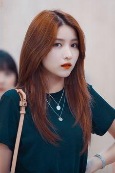 Jung Eun Bi, Gfriend Sowon, G Friend, Together Forever, Kpop Girls, Asian Girl, Girlfriends, Disney Princess, Rainbow