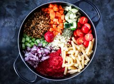 One pot-pasta vegetar Clean Lunches, One Pot Pasta, Frisk, Chorizo, Cobb Salad, Acai Bowl, Vegetarian Recipes, Food And Drink, Yummy Food