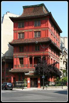 Maison Loo. Rue de Courcelles. Paris 8e Find Super Cheap International Flights to Paris, France ✈✈✈ https://thedecisionmoment.com/cheap-flights-to-europe-france-paris/