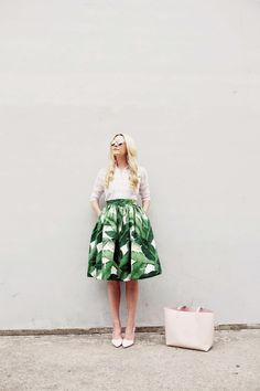 Skirt: Partyskirts. (also love these palm shorts and this skirt). Shoes: BR. Bag: Mansur Gavriel. Top: Gap (old, similar here and here). Sunglasses: Nordstrom. Shop more palm print below. JavaScript is currently disabled in this...Read More