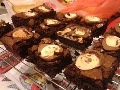 Creme egg brownies - so rich, so moist, so heart attack inducing! Creme Egg, Heart Attack, Brownies, Eggs, Cakes, Desserts, Food, Cake Brownies, Tailgate Desserts