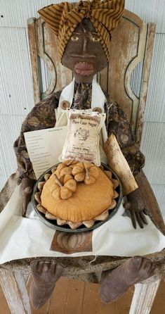 FANCY'S PUMPKIN PIE is approx. tall and approx. Fancy's arm and legs can bend and she can sit upright all on her own with legs hanging down. She makes a perfect Fall decoration! Primitive Fall, Hairstylists, Rag Dolls, Handmade Dolls, Fall Decor, Folk Art, Thanksgiving, Pie, Pumpkin